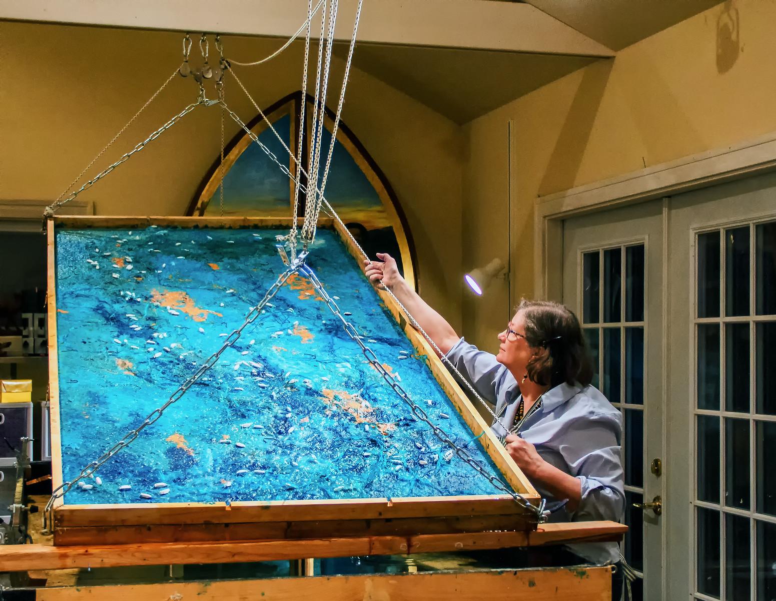 美国艺术家工作坊:教你如何把纸变成艺术品